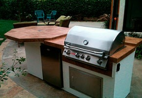 Stainless Steel Outdoor Kitchens & Cabinets