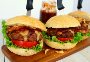 BACON-TOPPED GRILLED SLIDERS