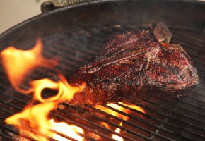 Essential Qualities Of The Best Charcoal Grills